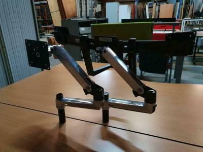Ergotron arm single en double.jpg